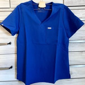 NWT FIGS WINNING BLUE CATARINA SCRUB TOP
